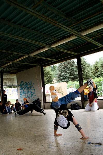 mladý b-boy na tanečním campu Street dance camp