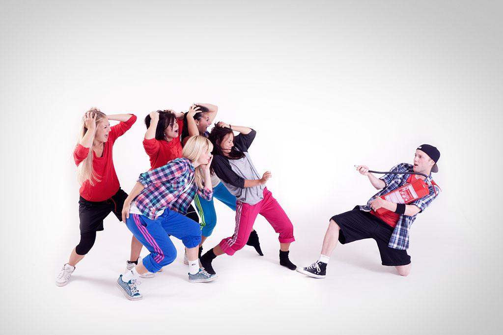 Taneční skupina v pohybu