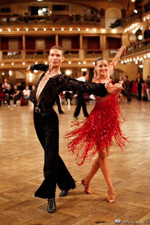 Taneční pár v Lucerně Praha